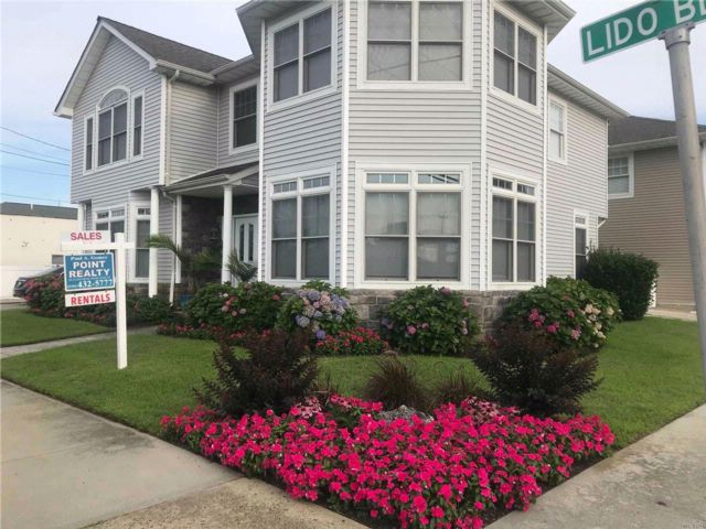 4 BR,  3.00 BTH  2 story style home in Point Lookout