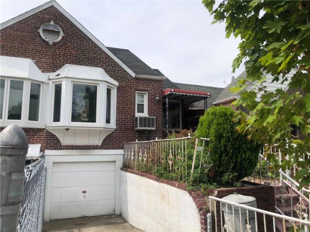 [Maspeth Real Estate, listing number 3084821]