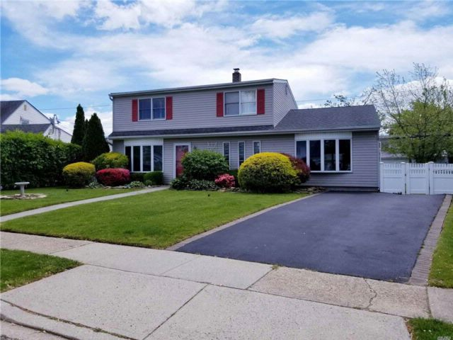 [Levittown Real Estate, listing number 3084929]