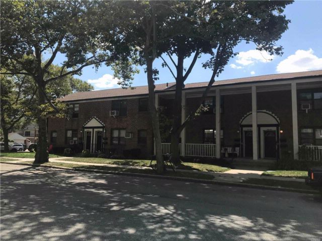 2 BR,  1.00 BTH Co-op style home in Fresh Meadows