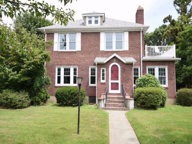 3 BR,  1.55 BTH  Colonial style home in Farmingdale