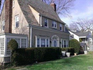 [Locust Valley Real Estate, listing number 3085228]