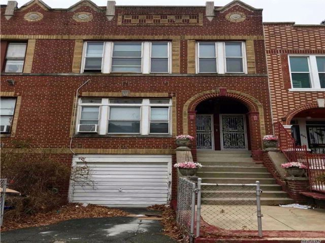 6 BR,  2.00 BTH  Other style home in Lefferts Garden