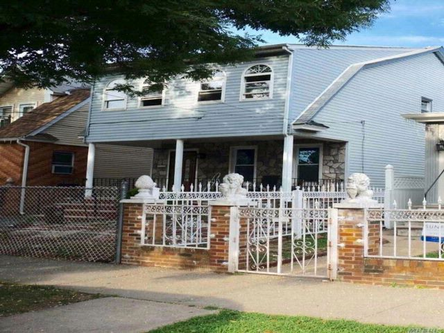 6 BR,  2.00 BTH  Colonial style home in South Ozone Park