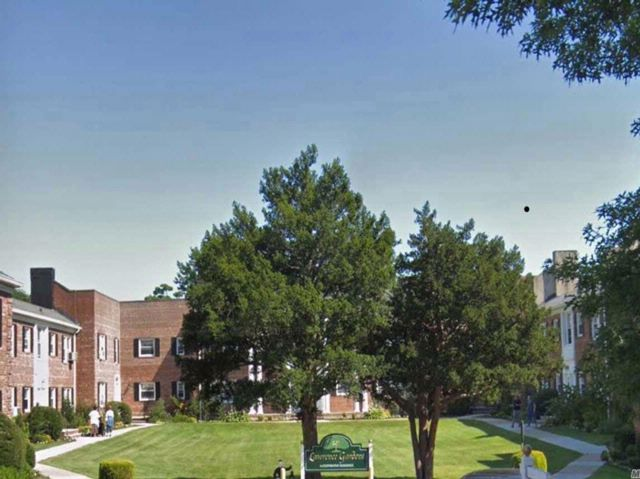 1 BR,  1.00 BTH Apt in bldg style home in Lawrence