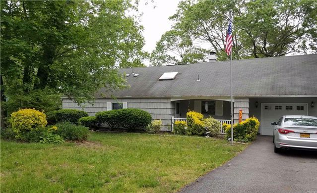 4 BR,  1.50 BTH Ranch style home in Lake Ronkonkoma