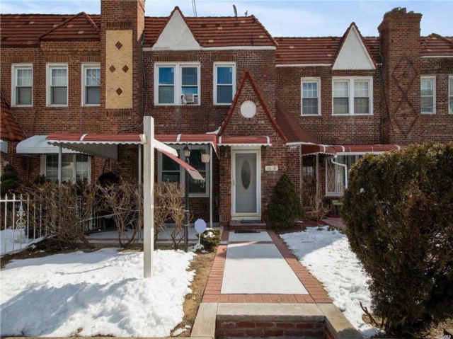 3 BR,  3.50 BTH Tudor style home in Cambria Heights