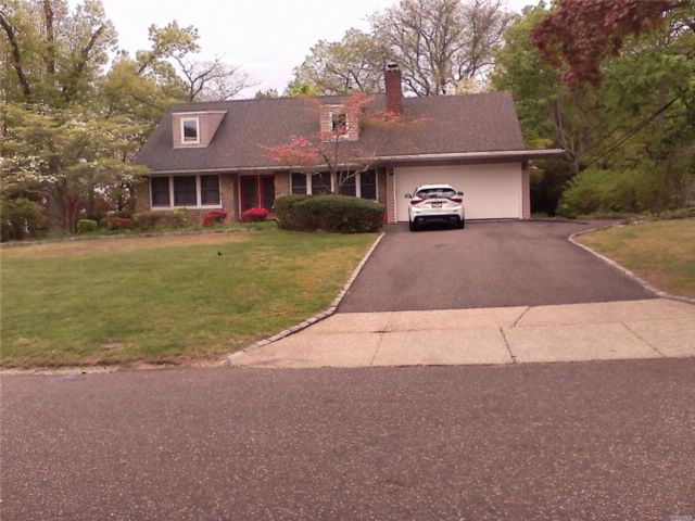 5 BR,  3.00 BTH Cape style home in Smithtown