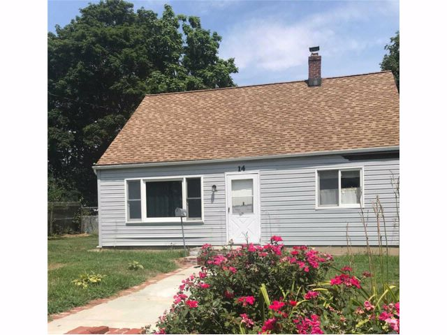 [Central Islip Real Estate, listing number 3086175]