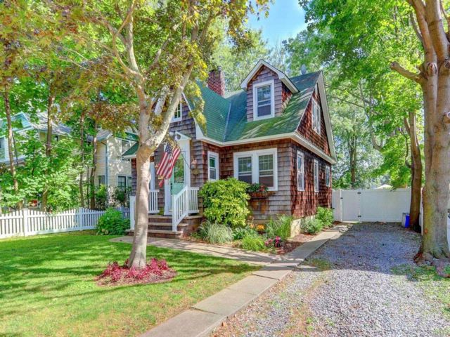 3 BR,  1.00 BTH Exp cape style home in Babylon