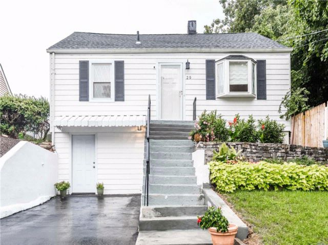3 BR,  2.00 BTH  Cape style home in Oyster Bay
