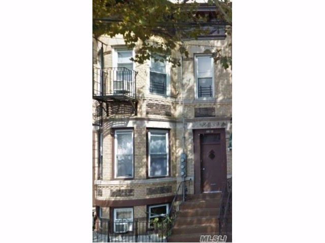 7 BR,  4.00 BTH  Other style home in Ridgewood
