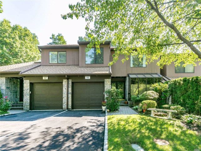 [Roslyn Heights Real Estate, listing number 3086988]