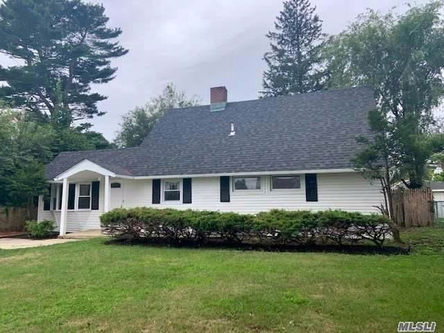 4 BR,  1.50 BTH Exp cape style home in Levittown