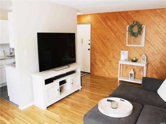 2 BR,  1.00 BTH Co-op style home in Patchogue