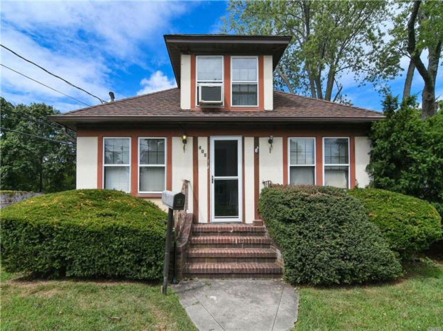 4 BR,  1.50 BTH  2 story style home in Central Islip