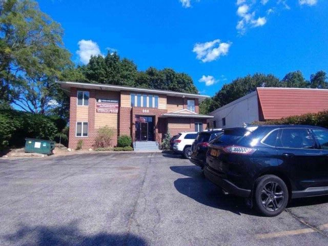 [Commack Real Estate, listing number 3087549]