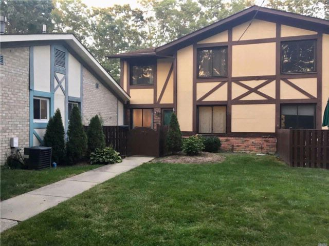 2 BR,  1.50 BTH  Condo style home in Port Jefferson Station