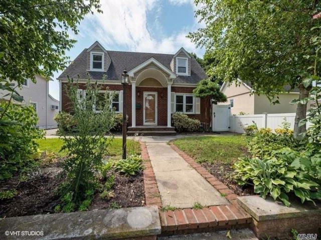 4 BR,  2.00 BTH  Cape style home in Westbury