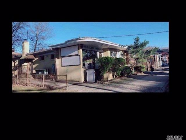 Studio,  0.00 BTH Office style home in Flushing