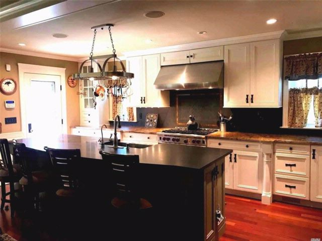 4 BR,  2.50 BTH Colonial style home in Babylon