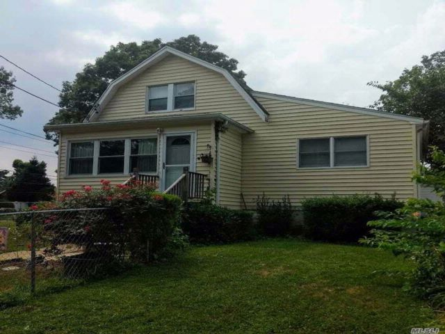 4 BR,  2.00 BTH  Colonial style home in East Meadow