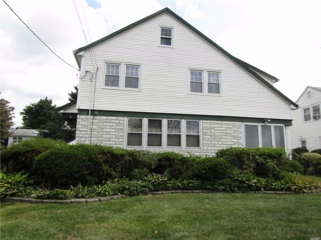 4 BR,  1.00 BTH  Colonial style home in Hempstead