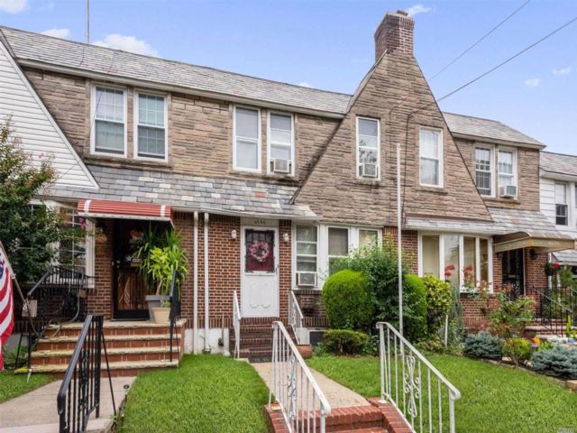 3 BR,  1.00 BTH Tudor style home in Middle Village