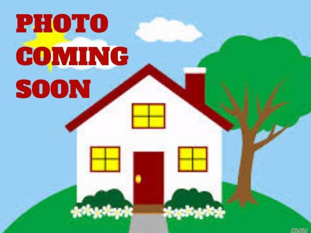 3 BR,  1.50 BTH Colonial style home in East Rockaway