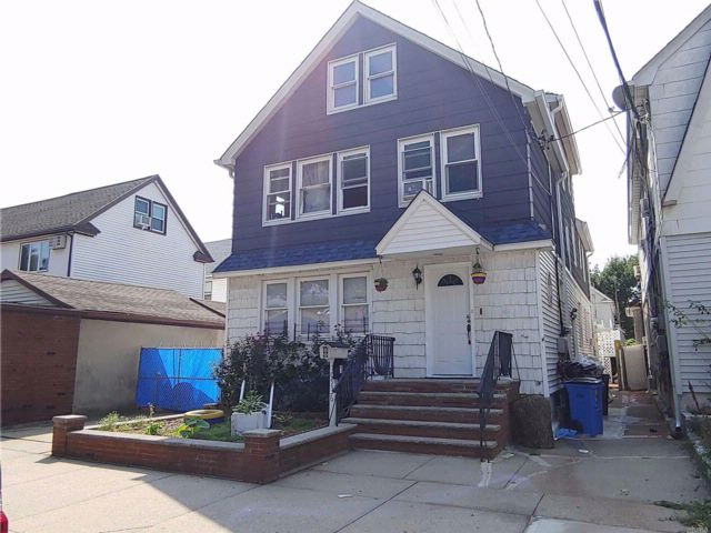 9 BR,  4.50 BTH Duplex style home in Ozone Park
