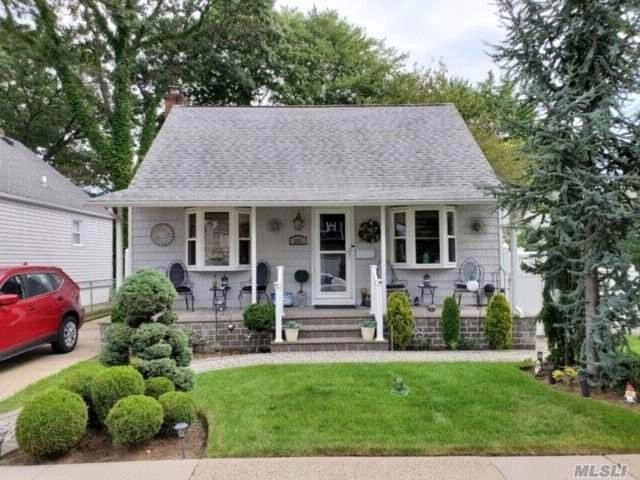2 BR,  2.00 BTH  Cape style home in Elmont