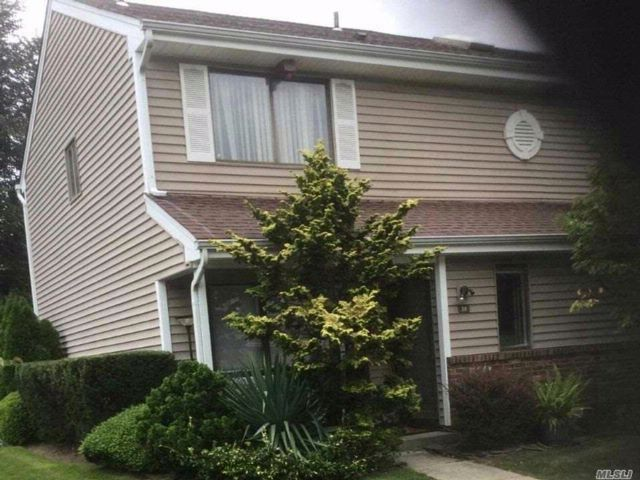 2 BR,  1.50 BTH  Condo style home in Smithtown