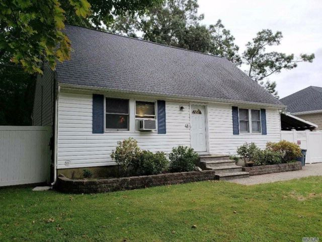 4 BR,  2.00 BTH Cape style home in Rocky Point