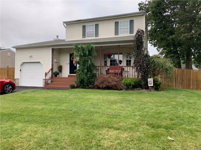 3 BR,  3.50 BTH  Colonial style home in Islip