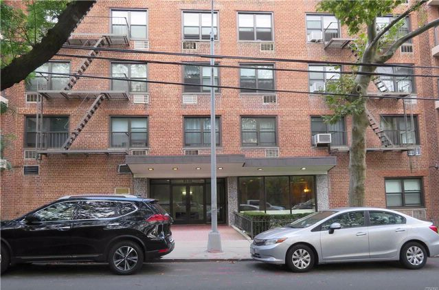 2 BR,  1.00 BTH Co-op style home in Middle Village