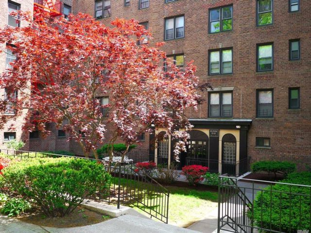 2 BR,  1.00 BTH Co-op style home in Woodhaven