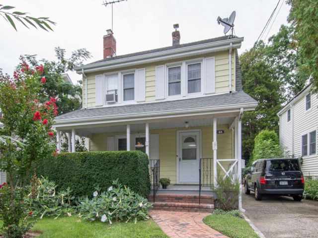 3 BR,  1.00 BTH  Colonial style home in Port Washington