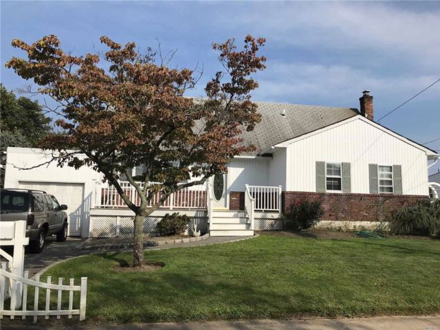 [West Islip Real Estate, listing number 3089338]