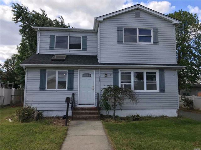 [Lindenhurst Real Estate, listing number 3089448]