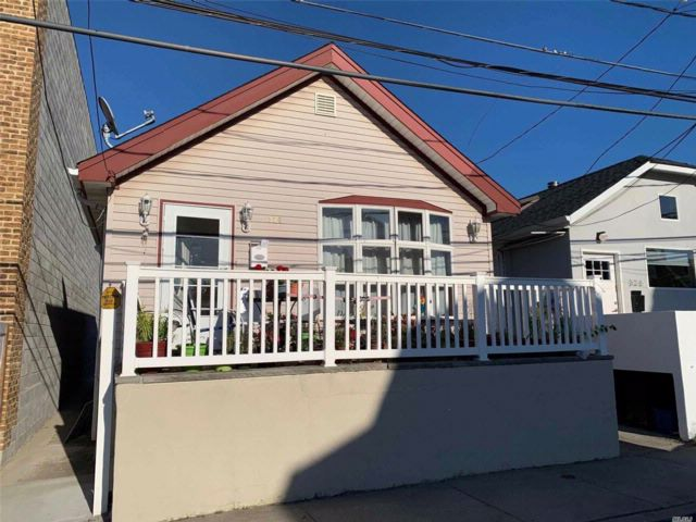 4 BR,  2.00 BTH  Other style home in Arverne