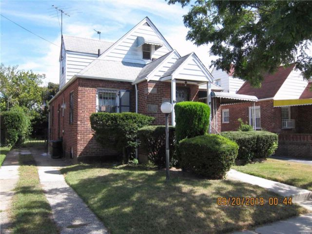 4 BR,  1.00 BTH Cape style home in Springfield Gardens