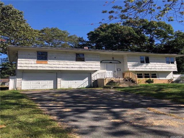 3 BR,  1.00 BTH Hi ranch style home in Port Jefferson Station