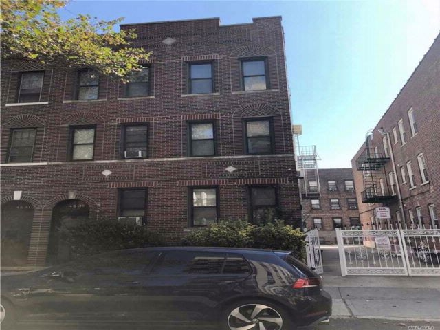 11 BR,  6.00 BTH Other style home in Sunnyside