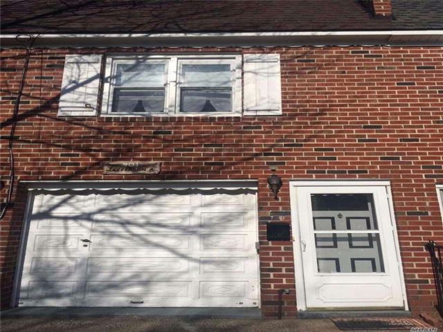 3 BR,  1.00 BTH Apt in house style home in Grant City