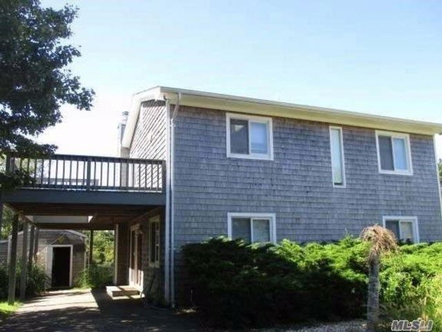 3 BR,  2.00 BTH 2 story style home in Montauk