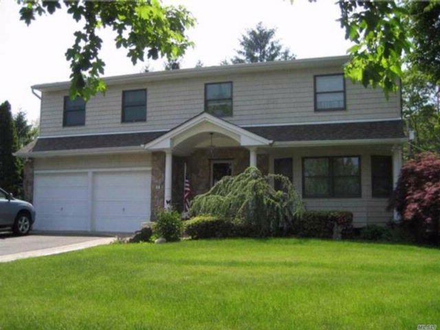 4 BR,  3.00 BTH  Colonial style home in Nesconset