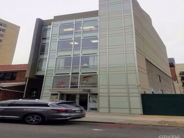 Studio,  0.00 BTH  Office bldg style home in Rego Park