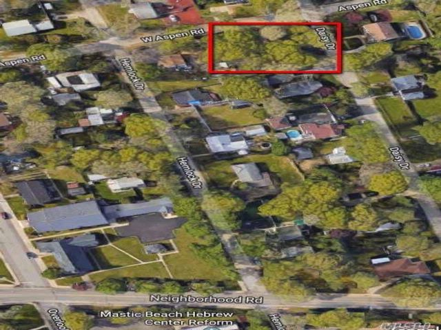 Lot <b>Size:</b> .20 Land style home in Mastic Beach