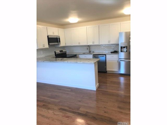 3 BR,  1.00 BTH Apt in house style home in Williston Park