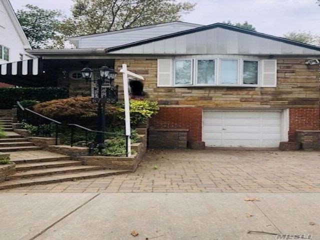 4 BR,  2.00 BTH  2 story style home in Fresh Meadows